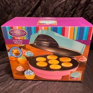 Nostalgia Electrics Cupcake Bakery Mini Cupcake